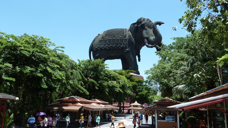 0390 15.7. Bangkok - Erawan Schrein - Ancient Siam - Ammi und Jan
